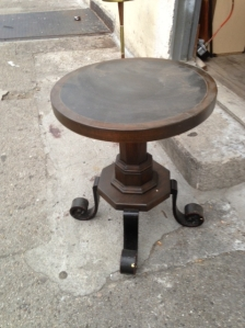 HEAVY TABLE STAND