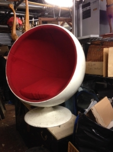 EGG CHAIR 2