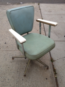 MID CENTURY SALON CHAIR