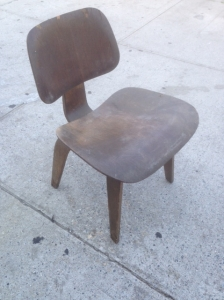Bent Plywood Eames chair