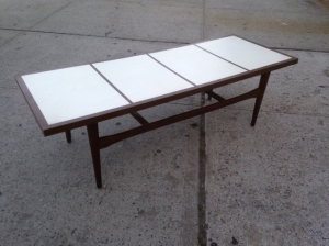 MID CENT COFFEE TABLE