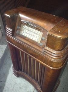 OLD RADIO 2