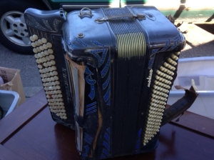 ACCORDIAN OLD