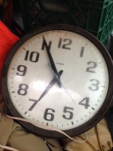 CLOCK TIMEX
