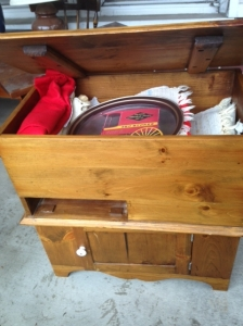 WOOD CHEST WITH STORAGE