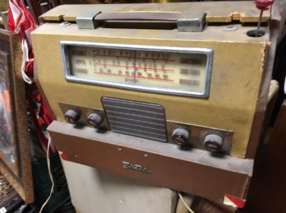 FADA SHORT WAVE RADIO