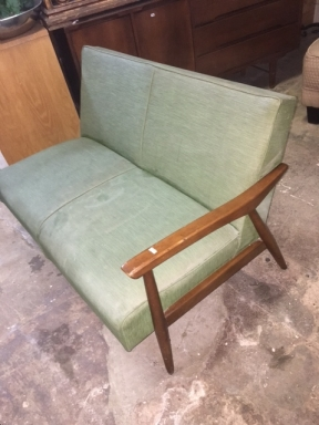 MID CENT GREEN COUCH