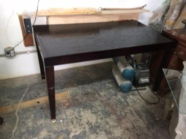 TABLE ON WHEELS