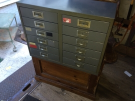 INDUSTRIAL PARTS DRAWERS