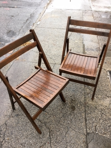FOLDING WOOD CHAIRS