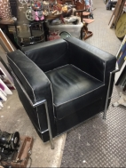 LE CORBUSIER CHAIR
