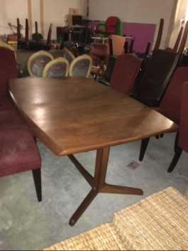 MID CENTURY MODERN DINING TABLE