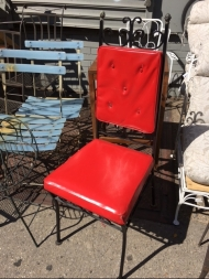 RED GOTH CHAIR