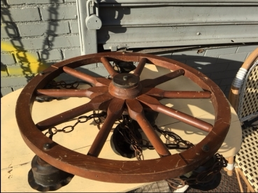 SHIP WHEEL LIGHT FIXTURE