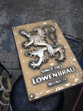 lowenbrau-beer-sign