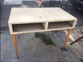 mid-century-desk