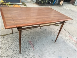 mid-century-modern-table