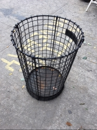 mesh-garbage-can