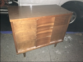 mid-century-mod-dresser