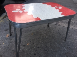retro-table-nice