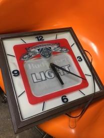 budweiser-clock