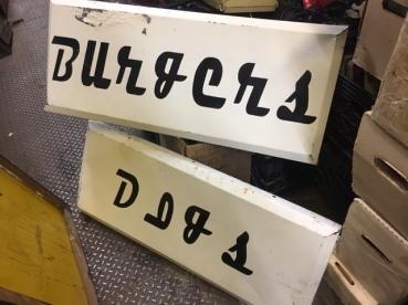 vintage-metal-store-sign
