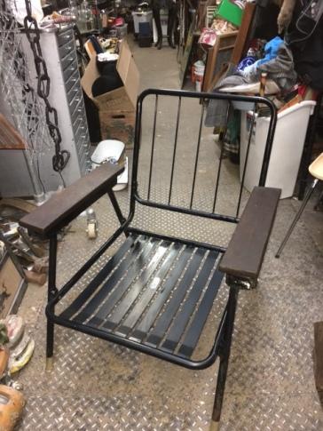 mid-century-lounge-chair