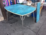 retro-dining-table