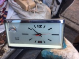 vintage-windup-clock