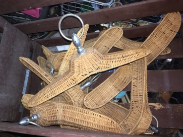 wicker-garment-hangers
