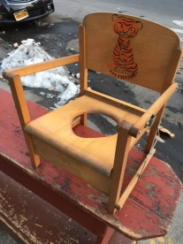 ANTIQUE CHILD POTTY SEAT