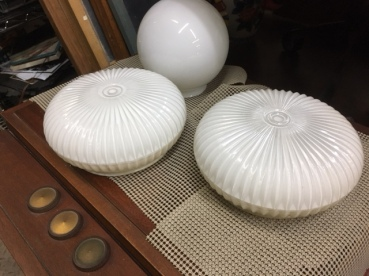 GLASS LIGHT GLOBES