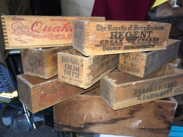 WOOD CHEESE CRATES