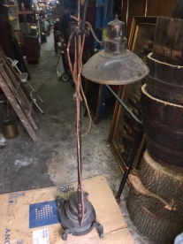 CAST IRON FLOOR LAMP