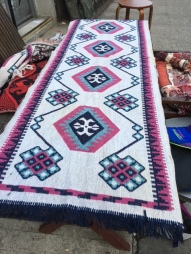 HAND WOVEN AREA RUG 2