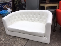 MODERN TUFFETED LOVE SEAT