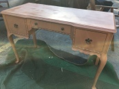 ANIQUE DESK