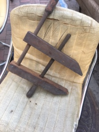 ANTIQUE WOOD CLAMP