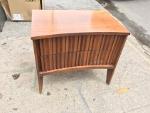 MID CENTURY MODERN SIDE TABLE