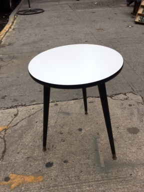MID CENTURY SMALL ROUND TABLE
