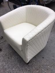 WHITE LOVE SEAT 3