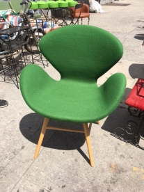 WOMB CHAIR 2