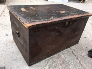ANTIQUE WOOD BOX 2