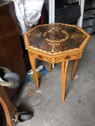 ITALIAN SMALL TABLE AND MUSIC BOX