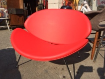 MID CENTURY HOT LIPS CHAIR
