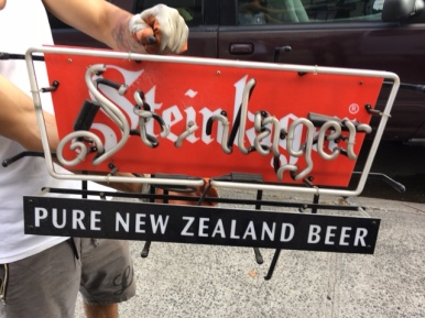 BEER NEON SIGN