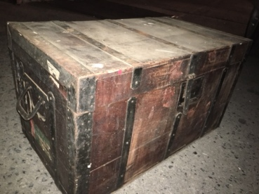 ANTIQUE ITALIAN WOOD TRUNK