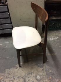 MID CENTURY MODERN DINING CHAIR