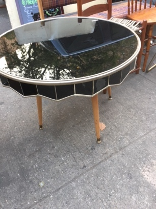 MIRROR TOP TABLE