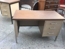 SMALL METAL DESK 2